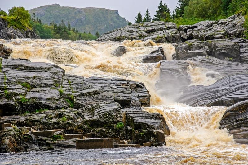 Nordmelansfossen falls