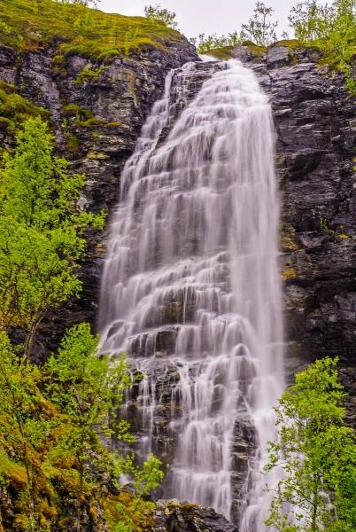 Nordreisa - Waterfall.jpg