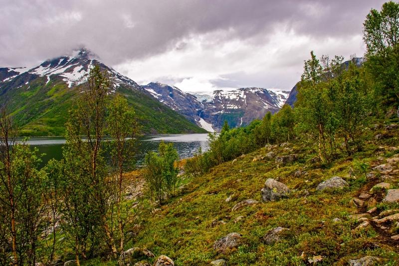 Salnes Glacier distance