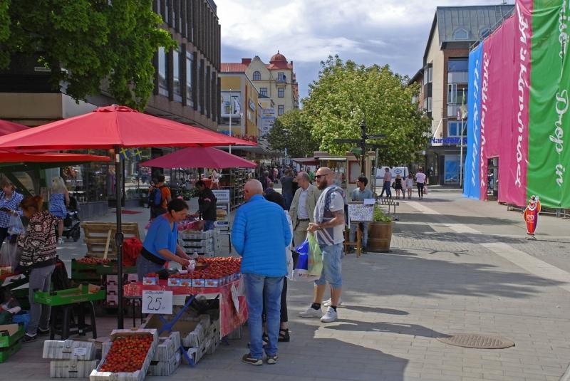 Hudiksval-Street-Market