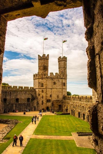 The Queen's Gate, Caernafon Castle